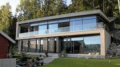 A villa in Rykkinn, Norway Modern Glass House, Glass House Design, House Front Design, Modern House Design, Hillside House, Concrete Houses, Balcony Design, Dream House Exterior, New House Plans