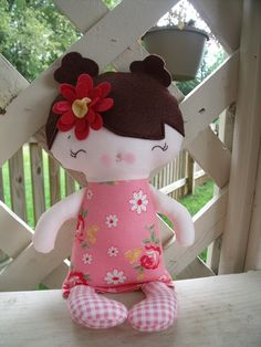 My Friend Juliana--a handmade cloth doll.  looks pretty easy, may have to work on a pattern for it