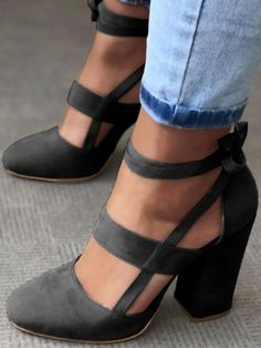 Fashion Caged Chunky Heels Shoes - Black