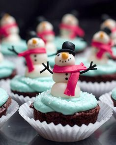 """Beth Ann Goldberg's """"Fleet of Snowmen"""" cupcakes- Martha Stewart"""