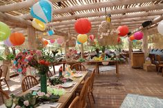 surf and hawaï decoration for a luxury kids birthday in Pampelone beach St Tropez Courchevel 1850, Surf Decor, Kids Events, Bar Mitzvah, Surfing, Table Decorations, Birthday, Beach, Party