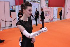 Actress Grace Mandeville Dons 3D Printed, Fiber Optic, Swarovski Crystal-laden Prosthetic Arm http://3dprint.com/50920/open-bionics-3d-printed-arm/