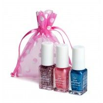 Tiara Kit contains: princess crown, pink tutu and shimmery night sky. All three nestled in a princess-worthy pink organza bag. These polishes are non-toxic and TFF/DBP three free. FDA approved. Virtually odorless. Loved by ecoprincesses and moms alike!