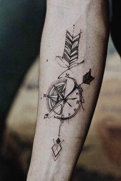 Tattoo Hombre Brazo Antebrazo Ideas tattoo old school tattoo arm tattoo tattoo tattoos tattoo antebrazo arm sleeve tattoo Arrow Compass Tattoo, Compass Tattoo Design, Arrow Tattoos, Feather Tattoos, Forearm Tattoos, Sleeve Tattoos, Finger Tattoos, Compass Tattoos For Men, Arrow Tattoo Arm