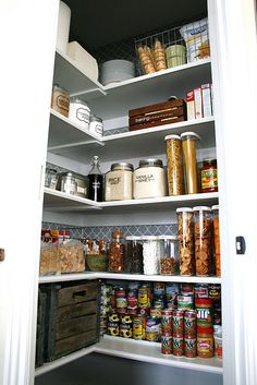 oh for the time and money to have a pantry that looks like this!