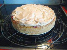 Rhabarberkuchen mit Vanillepudding und Baiser - Rezept