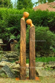 Do you still love the simple lines as this garden art speaks - . - Do you still love the simple lines of how this garden art speaks – … - Statues, Metal Garden Art, Wooden Garden, Tree Carving, Wood Carving, Garden In The Woods, Driftwood Art, Wooden Art, Wood Sculpture