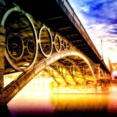 El puente de Triana, Sevilla (Spain)