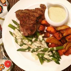 Grass-fed Steaks with homemade #glutenfree #caseinfree Faux Bearnaise Sauce! Roasted Sweet Potatoes & Blanched Asparagus. #yum #recipe on the #foodblog http://theweeklymenubook.com/2014/12/27/glutenfree-caseinfree-hollandaise-and-faux-bearnaise/