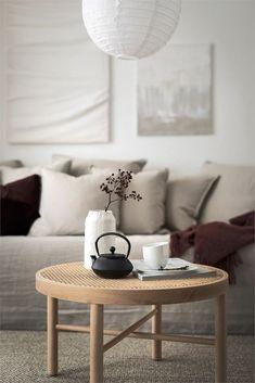 home decor living room area rug Interior Design Living Room, Living Room Designs, Living Room Furniture, Living Room Decor, Japanese Living Rooms, Japanese Interior Design, Peaceful Home, Home Renovation, Home And Living