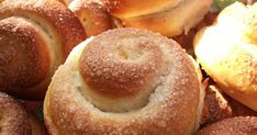 Croissants, Brie, Doughnut, Hamburger, Cake Recipes, Bakery, Food And Drink, Sweets, Snacks