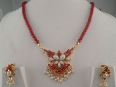 Indian Jewelry Beaded Necklaces Pearl Page Ruby Necklace Designs, Beaded Jewelry Designs, Gold Jewellery Design, Bead Jewellery, Jewelry Patterns, Jewelry Ideas, Jewelery, Bijoux En Or Simple, Gold Mangalsutra Designs