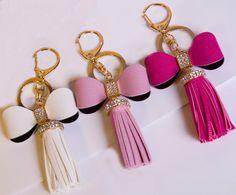 Keychains – Keychain leather tassel leather bow – a unique product by birdofparadise97 on DaWanda