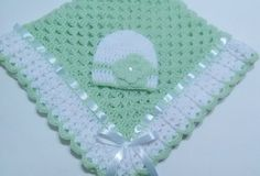 """diy_crafts- Crochet Baby Blanket Set, Baby Beanie Hat, Lt Green, White, Baby Girls """"This beautiful hand crocheted granny square baby blanket is m Baby Girl Crochet, Crochet For Boys, Crochet Baby Booties, Hand Crochet, Crochet Hats, Crochet Granny, Simple Crochet, Scarf Crochet, Unique Crochet"""