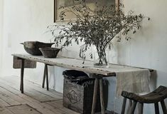Wabi-Sabi Style in 5 Steps - The Hottest Home Design Trend of 2018 Modern Country, Modern Rustic, Country Style, Rustic Chic, Wabi Sabi, Houses Architecture, Deco Addict, Style Deco, Rustic Interiors