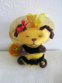 Beena Bee Created with a lot of love beena is ideal also for small children. Beena is made of soft and acrylic yarn. He is 17 cm tall Beena is f Bee, Teddy Bear, Dolls, Animals, Baby Dolls, Animales, Animaux, Doll, Bees