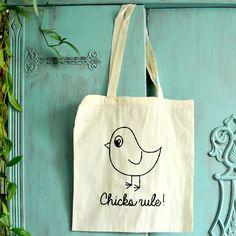 Katoenen tas - Chicks rule Zwart #katoen #ongebleekt #tasje #zeefdruk #illustratie #waterbasis #textieldruk #grafisch #ontwerp #design #musthave #wannahave #ambacht #typografie