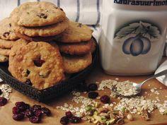 Celebration Treats 4U: Karpalo-valkosuklaa- Cookiet