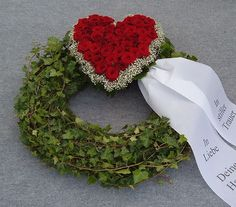 Funeral wreath with rose heart (# – allerheiligen – Wreaths Funeral Flower Arrangements, Funeral Flowers, Floral Arrangements, Grave Decorations, Funeral Tributes, Memorial Flowers, Diy Spring Wreath, Sympathy Flowers, Arte Floral
