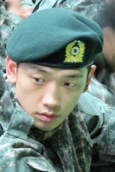 His first assembly after enlistment (October Rain Singer, Bi Rain, Korean Singer, Korean Actors, October, Asian, Kpop, Style Icons