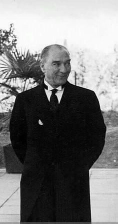 117-Turhan Nacar-GAZİ MUSTAFA KEMAL ATATÜRK... _____________________________________________ Turkish Army, The Legend Of Heroes, English Activities, Great Leaders, Aesthetic Photo, Historical Pictures, Cute Images, The Republic, Photoshop