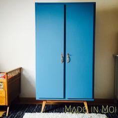 Armoire vintage deux portes bleu batik : Meubles et rangements par made-in-moi