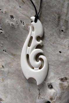 linked koru pendant, Kerry Thompson (Maori)