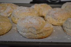 My teenage daughter has been on a biscuit kick ever since we vacationed in Florida this summer. I think she ate biscuits at every meal. Biscuit Bread, Biscuit Recipe, Healthy Foods To Eat, Healthy Recipes, Recipe For Teens, Food Club, Buttermilk Biscuits, Incredible Edibles, Secret Recipe