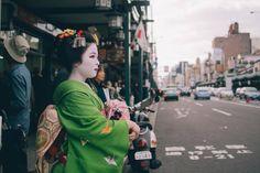 Geisha in Gion, Kyoto - Grant Roberts - grantrobbo (instagram):Flickr