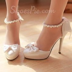 New Comfortable Round Bridal shoes From The Plus Size Fashion Community At www.VintageAndCurvy.com