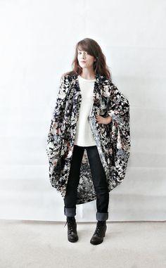 FLORAL KIMONO JACKET//plus size,batwing cardigan,floral kimono,kimono jacket,batwing sleeves,javanese print,size large
