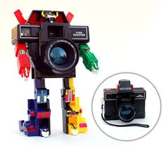 Sweet!!! Voltron transforms into a working camera!! :D