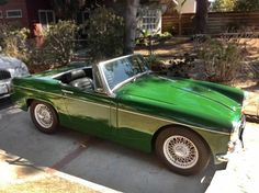 $4,500 Hollywood Midget: 1966 MG Midget Mk II - http://barnfinds.com/4500-hollywood-midget-1966-mg-midget-mk-ii/