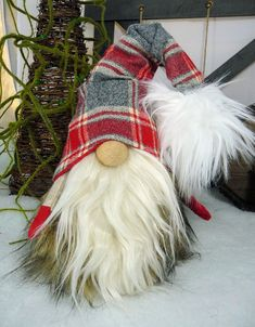 me ~ Handmade Scandinavian/Nordic Gnome/Tomte/Nisse Scandinavian Christmas Decorations, Scandinavian Gnomes, Nordic Christmas, Diy Christmas Gifts, Christmas Projects, Holiday Crafts, Christmas Christmas, Christmas Knomes, Gnome Tutorial