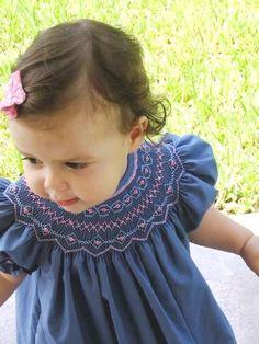 Explore Fiorella Curotto's photos on Photobucket. Smocking Baby, Smocking Plates, Smocking Patterns, Smocked Baby Clothes, Girls Smocked Dresses, Baby Clothes Patterns, Sewing For Kids, Baby Sewing, Little Girl Outfits
