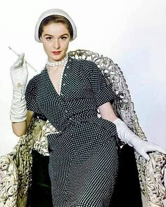 1949 Polka-dot dress 1940s Vintage Dresses, Vintage Outfits, 1950s Fashion, Vintage Fashion, Vintage Style, Glamour Magazine, Vintage Models, The Dress, Image Collection