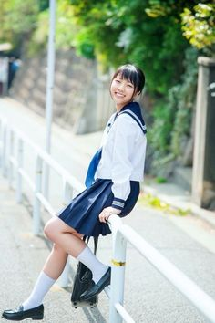 Cute School Uniforms, School Uniform Girls, Girls Uniforms, Japanese High School, Japanese School Uniform, Japanese Girl, Girls Loafers, Sailor Fashion, Sailor Dress