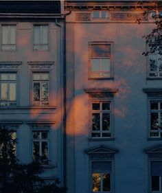 New exterior lighting architecture beautiful Ideas Aesthetic Photo, Aesthetic Pictures, Photography Aesthetic, Aesthetic Light, Travel Aesthetic, Aesthetic Art, Luz Solar, Light Architecture, Building Architecture