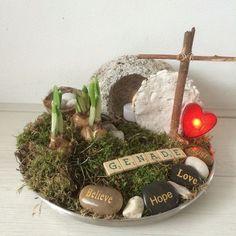 Paasknutsels voor een Christelijke school - Juf Judith Xmas Crafts, Easter Crafts, Crafts For Kids, Easter Garden, Catholic Crafts, Christian Crafts, Christian School, Spring Sign, Bible Crafts