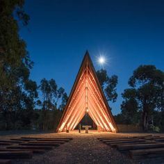 plano humano arquitectos' chapel is inspired by the scouting experience: outdoor life, camping, the tent, and by the sobriety and simplicity of buildings. Church Architecture, Architecture Details, Space Architecture, Contemporary Architecture, Tent Camping, Outdoor Camping, Portugal, Smart Home Design, Tent Design