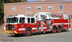 Southborough Fire Department (MA) Tower 21 2010 Smeal
