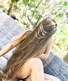We Love Shiny - Silky - Smooth Hair: Photo Long Wavy Hair, Very Long Hair, Beautiful Long Hair, Gorgeous Hair, Estilo Jane Birkin, Silky Smooth Hair, Natural Hair Styles, Long Hair Styles, Shiny Hair