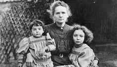 Marie CURIE et ses deux filles Eve et Irène qui deviendront des porte-drapeaux du féminisme.