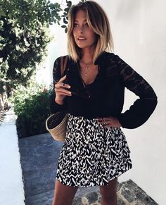 Perfect black and white outfit by Caroline Receveur. Perfect black and white outfit by Caroline Receveur. Caroline Receveur Hair, Hair Inspo, Hair Inspiration, Mode Lookbook, White Ombre, Black White, Corte Y Color, Printed Skirts, Ombre Hair