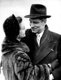 Vivien Leigh & Laurence Olivier after their divorce.  They never stopped loving each other.
