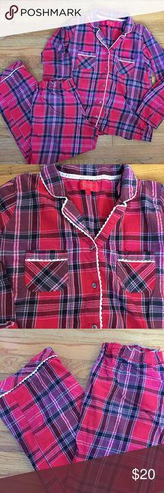 Victoria's Secret Pajamas Good used condition  No spots or holes  Medium  Bin A Victoria's Secret Intimates & Sleepwear