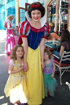 MORE Disneyland Tips & Tricks ~ www.oneshetwoshe.com #disney #disneyland