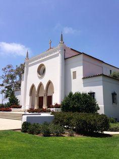 ウエストチェスターにあるロヨラ・メリーマウント大学(LMU)内の教会  Loyola Marymount University Church Los Angeles Architecture