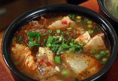 galbitang beef short rib stew (spicy and nonspicy recipe) http://www.maangchi.com/recipe/galbitang