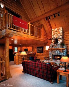 Custom Cedar Log Homes
